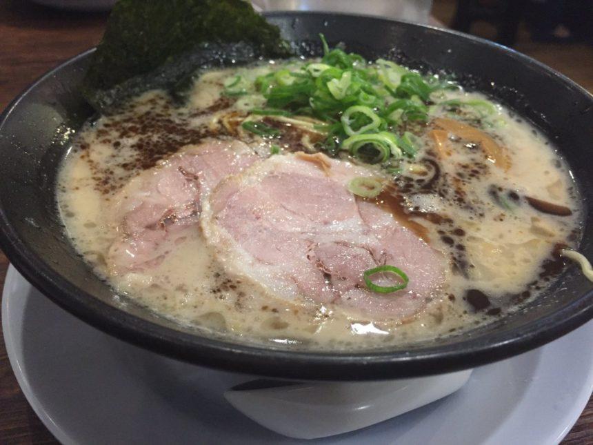 名古屋 とんこつ ラーメン