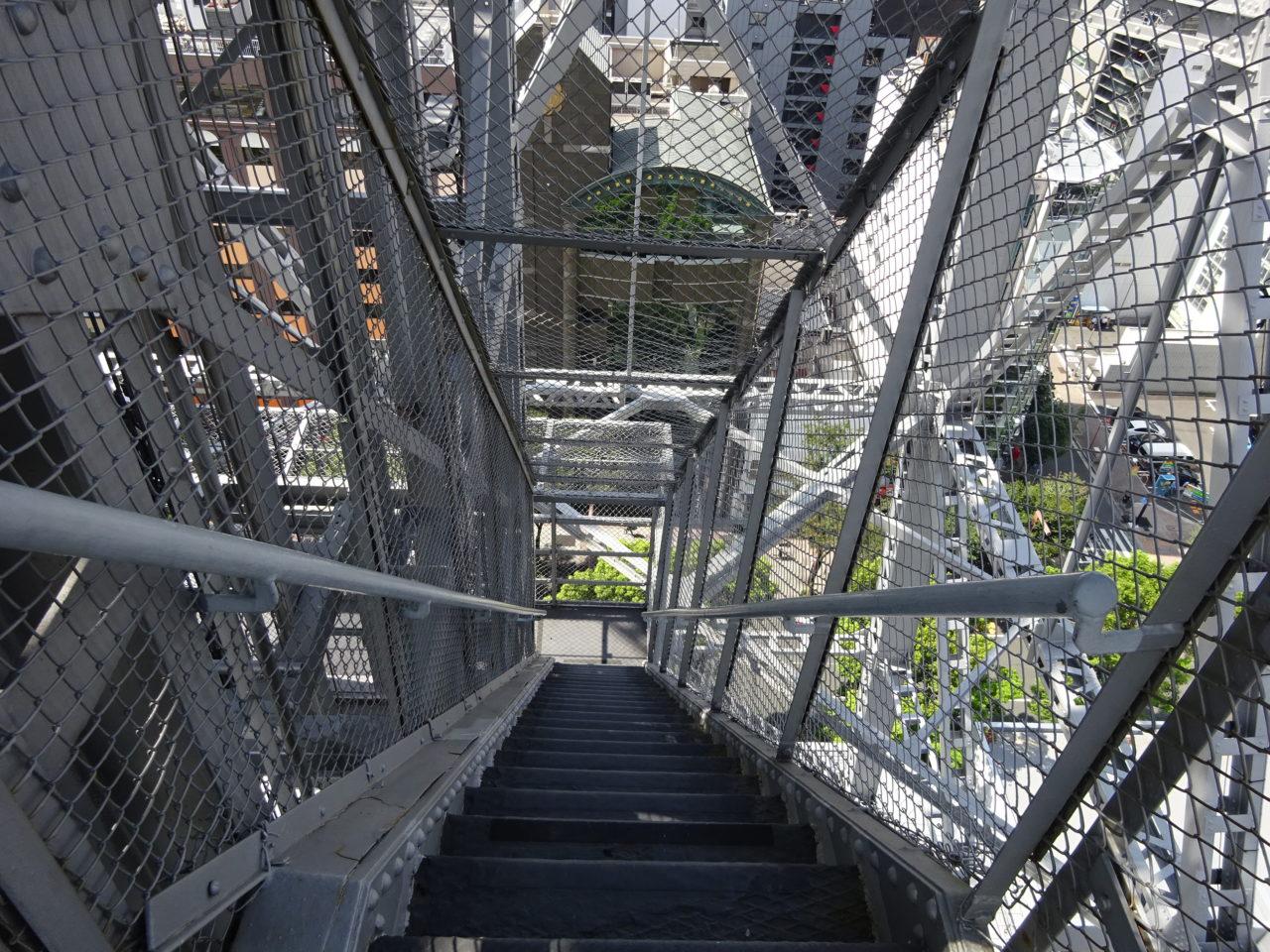 名古屋テレビ塔の外階段