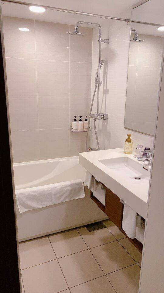 ホテルのバスルーム